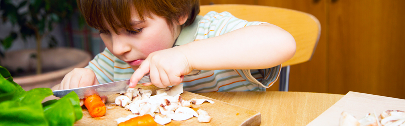 I'm a Kitchen Ninja! Ways to Get Your Child Involved with Preparing Food }